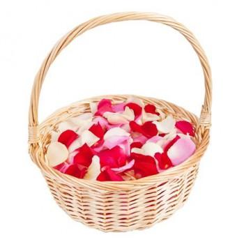 Лепестки роз (в корзинке)